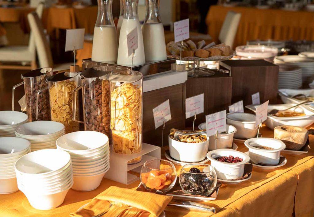 breakfast-buffet-hotel-luna-marilleva-pieno